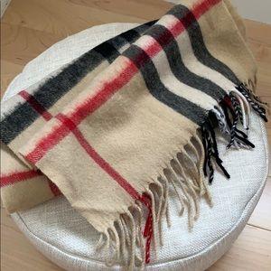 Burberry original scarf